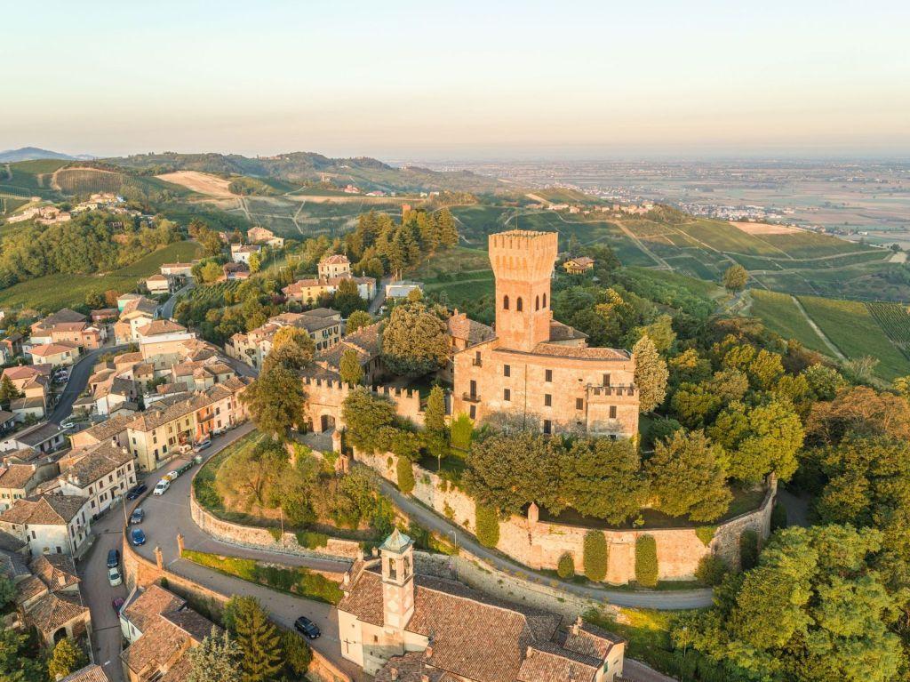 La famiglia Moratti in Oltrepo' Pavese ha scelto la raccolta anticipata e scalare del pinot nero per le basi spumante